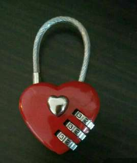 🚚 Heart shape love padlock