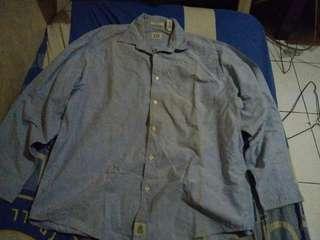 Kemeja jeans Ori GAP size L Besar