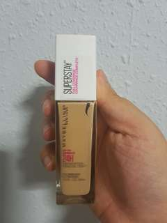 Superstay Matte Foundation. Shade 128
