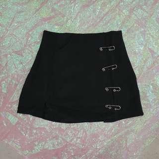 別針造型短裙