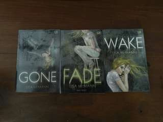 Wake Trilogy : Wake, Fade, Gone (Lisa McMan)