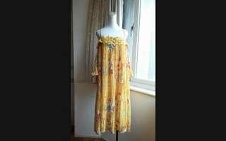 🚚 韓系 夏日百花 露肩水袖 蕾絲領 寬鬆百摺雪紡長洋裝