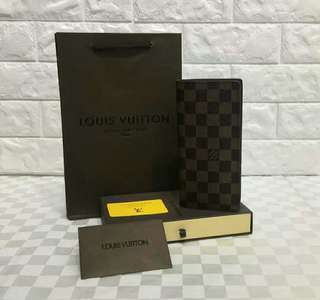 Louis Vuitton Brazza Wallet Damier