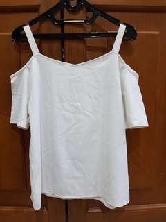 Sabrina putih blouse