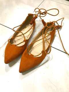 波希米亞 流蘇尖頭麂皮綁帶繞腳平底鞋