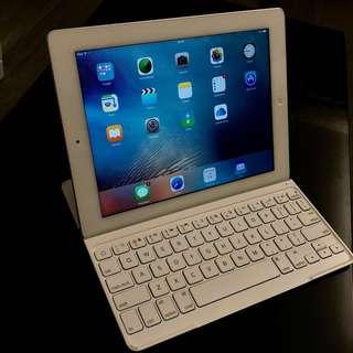 iPad 3, 32GB WiFi 版連 Logitech keyboard
