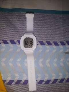 Jam tangan synoke