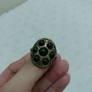 Vintage black pearl ring