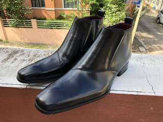 Chelsea Leather Boots