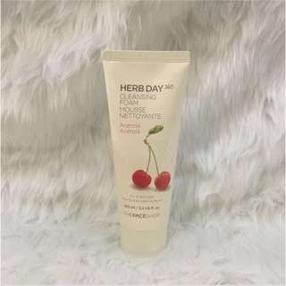 The Face Shop Cleansin Foam (Cherry)