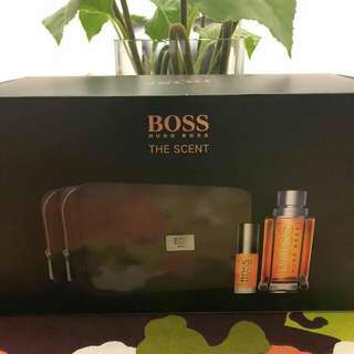 Hugo Boss Perfume Set (The Scent)