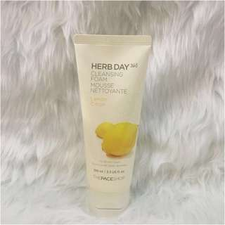 The Face Shop Cleansing Foam ()