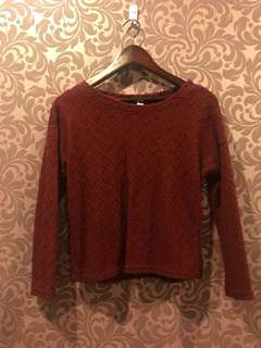 Knitted maroon top