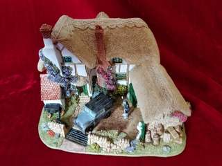 "Handmade Miniature Cottage ""The Joy of Spring"" by Lilliput Lane"