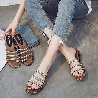 🚚 新款亮鑽海邊沙灘鞋平底時尚涼拖鞋 35-39 (共2色)