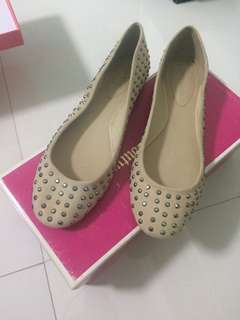 Authentic Juicy couture flat shoes beig with silver dots