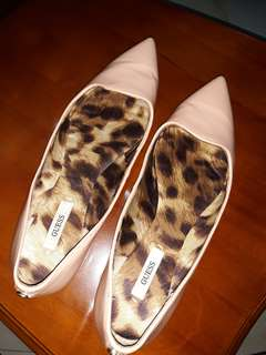Authentic nude Guess shoes 8.5-9