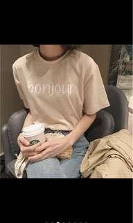 🚚 韓版字母上衣
