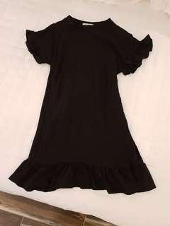 🚚 正韓黑色荷葉棉洋裝