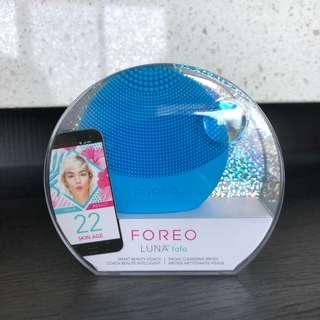 Aquamarine Foreo Luna Fofo. BRAND NEW IN BOX UNOPENED SEALED. Exfoliator with skin analyzing sensor and app.