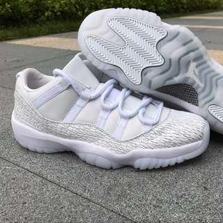 Jordan 11 low Frost white 2
