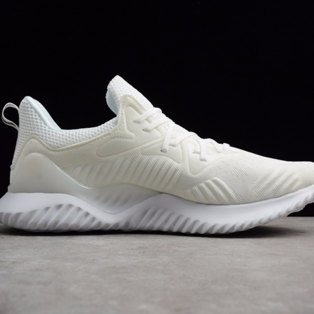 new arrival db363 52d7e AlphaBOUNCE Beyond - Undye, Mens Fashion, Footwear, Sneakers on Carousell