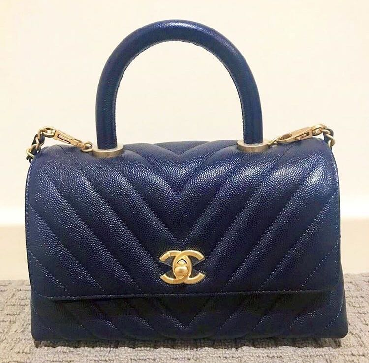 202154ad8648 BNIB Chanel coco handle mini navy ghw, Luxury, Bags & Wallets, Handbags on  Carousell