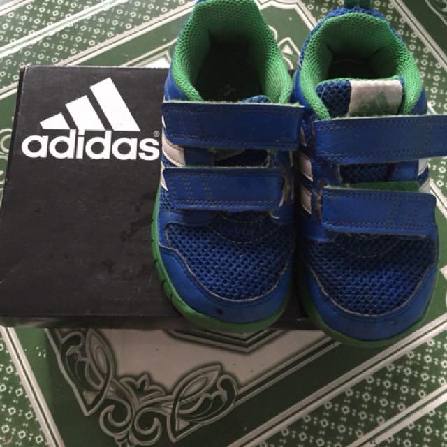 5e75a5e05a76 Preloved Kicks for Kids Adidas
