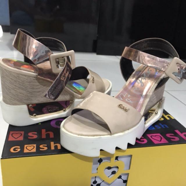 Sepatu Gosh with Box Size 38 ORI 5c28818c06