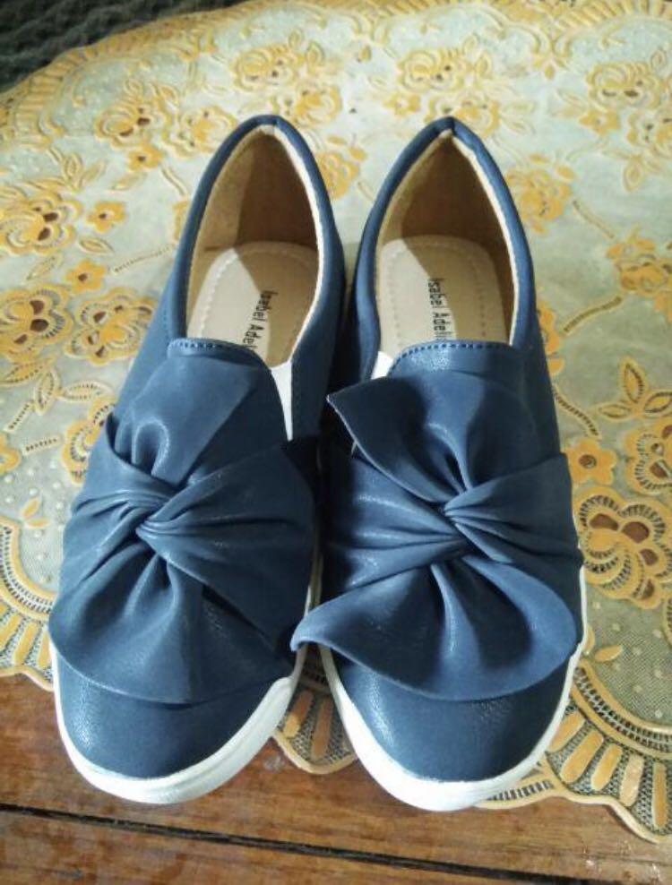 Sepatu Navy Fesyen Wanita Di Carousell