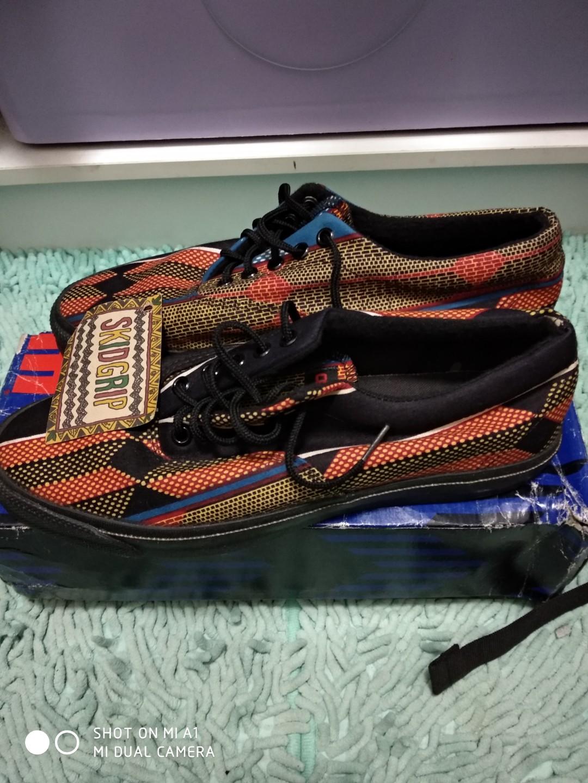 de95daf6bfa5b4 Vintage Converse Skidgrip made in usa