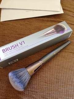 Bh cosmetics large vegan brush