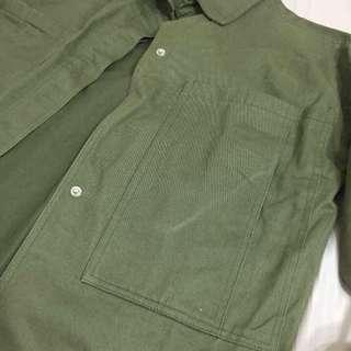 🚚 軍綠雙口袋外套