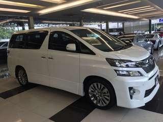 Toyota Vellfire 2.4 Golden Eyes 2014