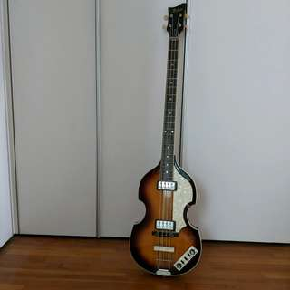 Hofner Violin Bass (w/ accessories included)