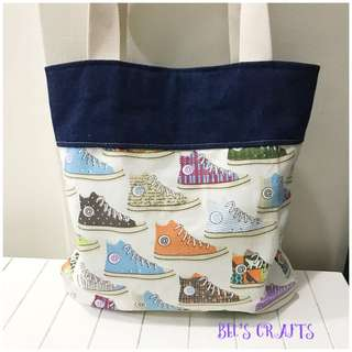 Sporty casual tote bag