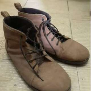 BOOTS SEMI KULIT/SUEDE. Produk Lokal. Size 40/41