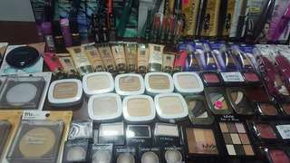 AUTHENTIC MAKE-UP