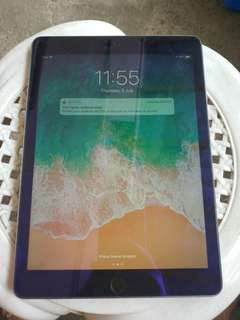 Apple Ipad 5th gen.128gb wifi