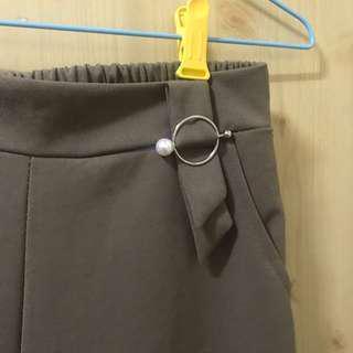 「二手」寬褲
