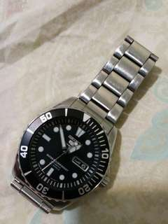 SEIKO 5 Men's Sports Watch