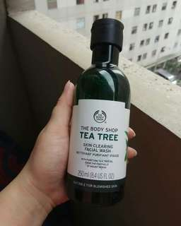 BISA BARTER❤ The Body Shop Tea Tree Skin Clearing Facial Wash