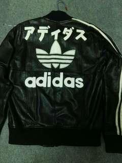 Adidas真皮外套