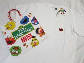 (Unisex M) Uniqlo Kaws X Sesame Street White Elmo