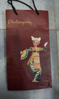 Paperbag Pia Legong