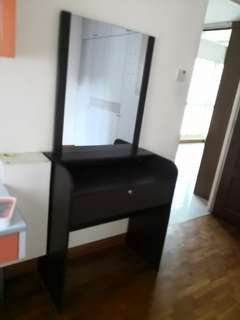 dressing-table mirror