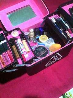 ♡ Preloved Makeup bag / luggage ♡