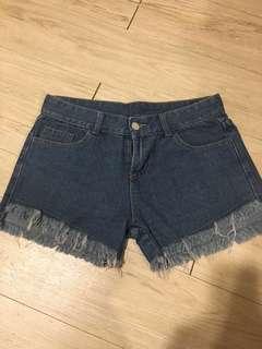 🚚 抽鬚牛仔褲(深藍)