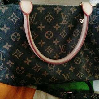 LV Handbag gred AAA