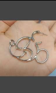 🚚 米奇鏤空耳環